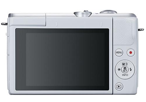 画像: モニターは上向き180度まで開くチルト式で自分撮りにも対応する。画面へのタッチでAFやメニューなどの設定も可能だ。