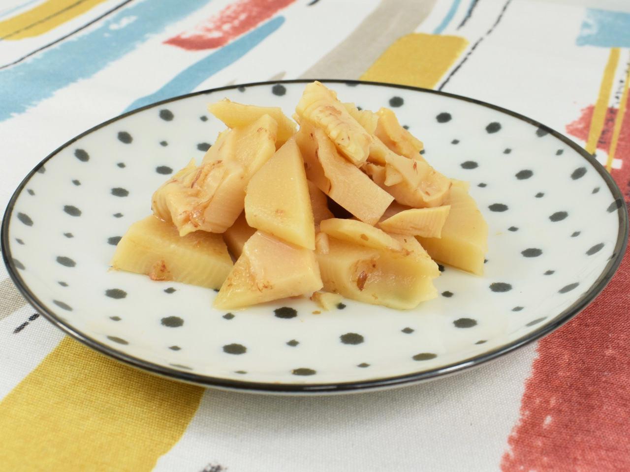 画像: 優しい甘みが口の中に広がる「鰹と昆布の一番だし使用 たけのこ土佐煮」