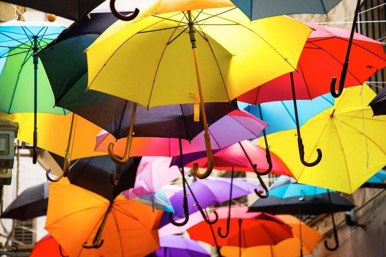 画像: 【梅雨コーデ】どうしたらいいの?スカートもパンツも楽しもう! - 特選街web