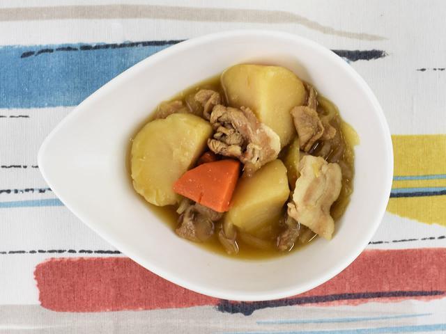 画像: 何度でも食べたくなる王道おかず!「北海道産男爵芋の肉じゃが」