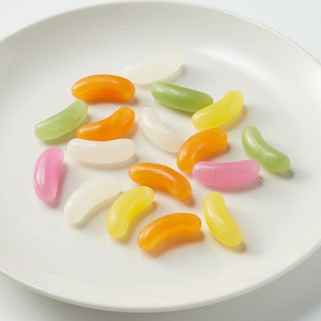 画像: どの味から食べようか、順番にもこだわりたい「ゼリービーンズ」。 www.muji.com