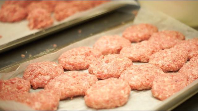 画像: 【TAVENAL】ハンバーグの作り方 www.youtube.com
