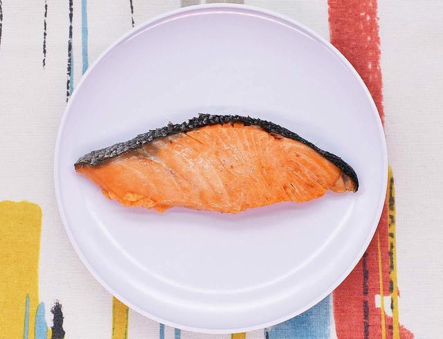 画像: 上品な脂がクセになる「銀鮭の塩焼」