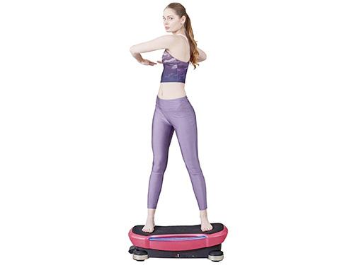 画像: ボードの上に立つだけで、気軽に体幹トレーニングができる!