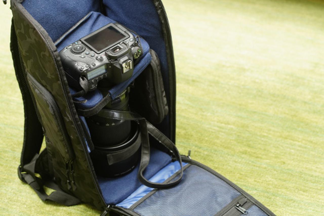 画像: SIGMA 150-600mm F5-6.3 DG OS HSM   ContemporaryにCanon EOS 6D Mark IIを装着しままSanctuary III RK260に収納したところです。