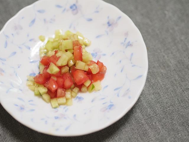 画像: きゅうりとトマトのサラダ