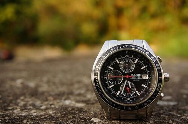 画像: カシオの腕時計 pixabay.com