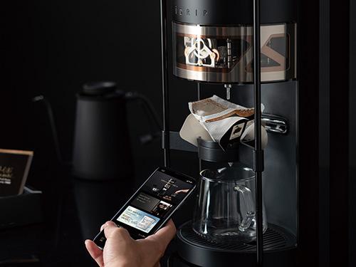 画像: アプリを使うと、コーヒー豆やバリスタの情報などを詳しく見られるだけでなく、使用者の好みに合ったコーヒーも提案してくれる。