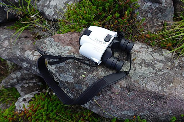 画像: 実際に撮影時に携帯していった双眼鏡はKenko VCスマートコンパクト 8倍×21になります。手ぶれ補正機構付きで観察しやすく便利です。