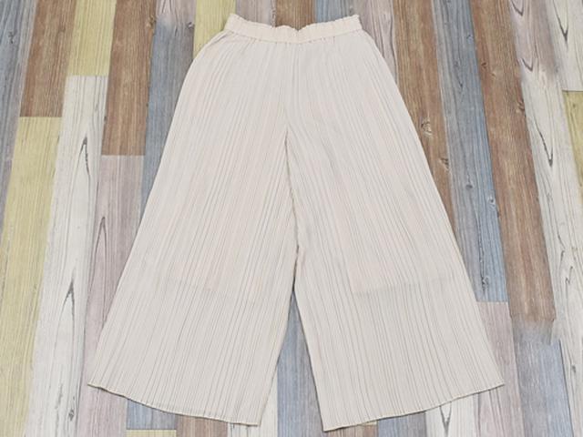 画像: スカートのシルエットに動きやすさと安心感を