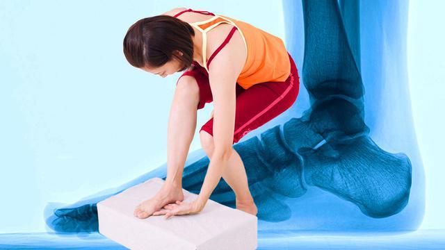 画像: 【治る?】足底腱膜炎や外反母趾の原因「扁平足」を改善する方法 足のアーチを復活させる簡単体操 - 特選街web