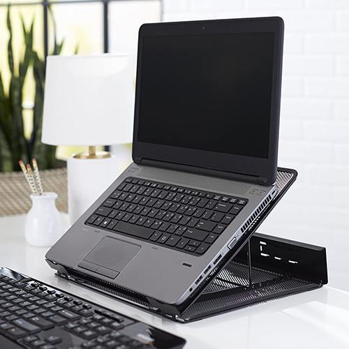 画像: Amazonベーシック PCスタンド ノートパソコンスタンド メッシュタイプ www.amazon.co.jp