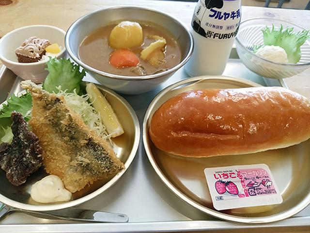 画像: サクサクのフライに懐かしいコッペパンがたまりません! hotasho.jp