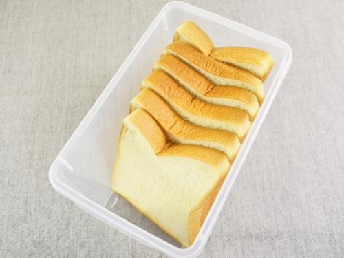画像: 1袋分の食パンをスッポリ収納!
