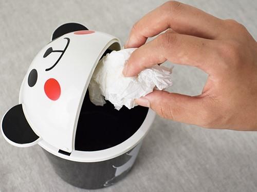 画像: 箱の口が広いからゴミをこぼさない