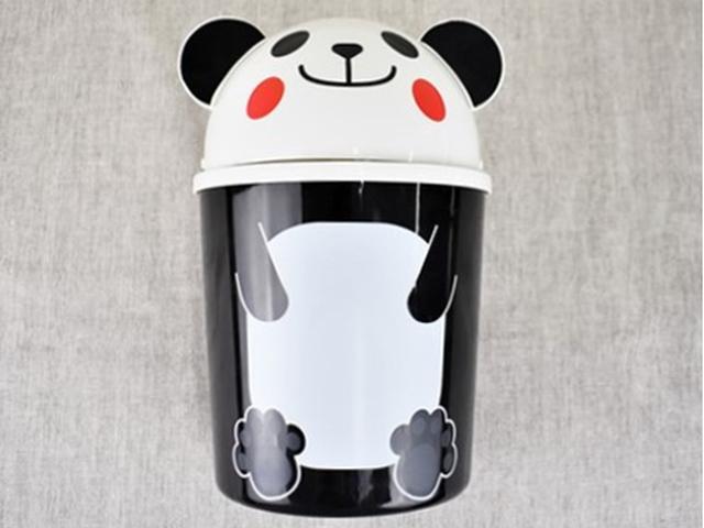 画像: パンダの置物のようなキュートデザイン