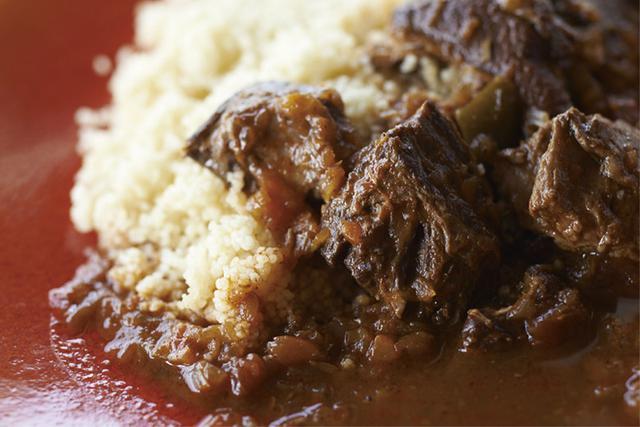 画像: 森のどんぐりを食べて育ったイノシシの肉を複雑で重層的なスープで煮込んだジビエ缶