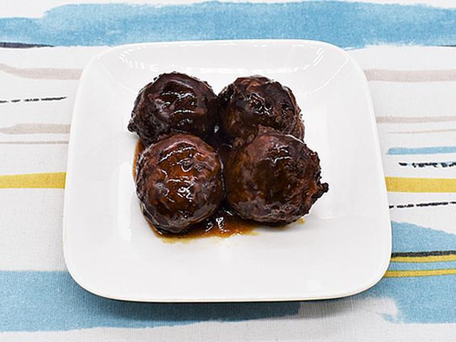 画像1: ボリューミーなお肉と酸っぱすぎない黒酢のたれがベストマッチ