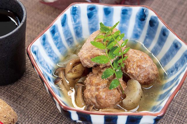 画像: 宮城の超希少種のブランド鴨の肉だんごがゴロゴロ。コンニャク、ゴボウ、シメジが一体になりウマい!