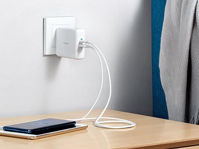 画像: 独自のPowerIQ 3.0は、USB PD規格との互換性を強化し、Quick Chargeにも対応。1台では最大18ワット、2台では合計最大15ワットまで充電が可能。