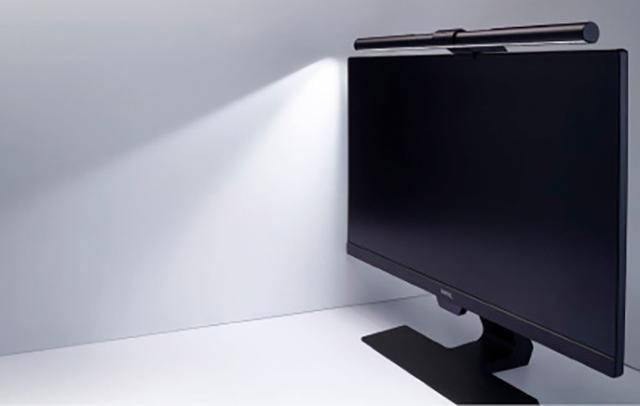 画像: ■ 自動調光機能でデスクまわりを快適な明るさにする