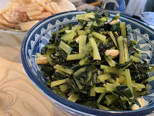 画像: 京のおばんざい「お揚げと小松菜の炊いたん」