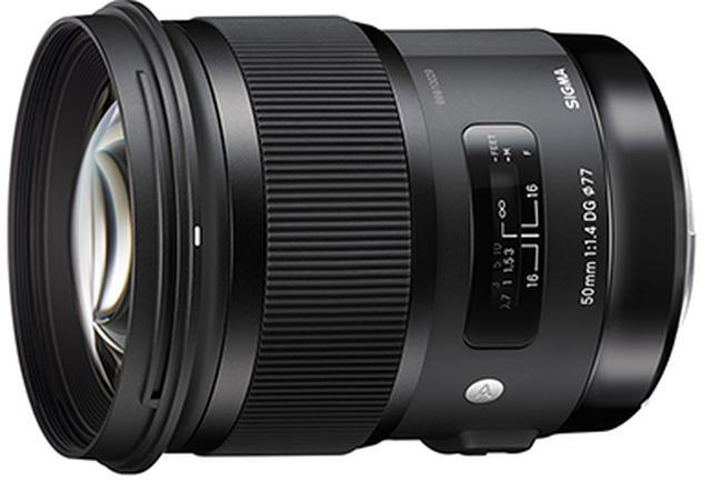 画像: 2014年に一眼レフ用が発売されてから、ミラーレス一眼にも対応し、2020年現在も50mmAF単焦点レンズの最高性能クラスとして知られる1本です。