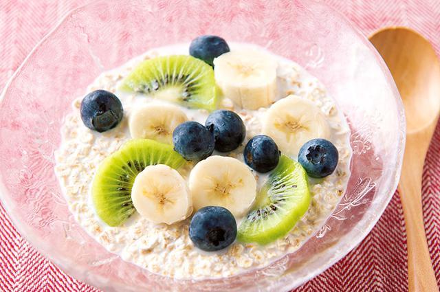 画像: 血糖値が気になる人にお勧め! フルーツたっぷりミルクがけ
