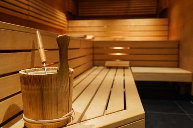 画像: ロウリュとはフィンランド式サウナの入浴法(写真はイメージ) Adobe stock