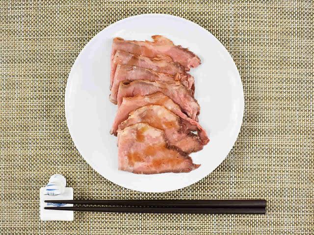 画像: 赤ワインが飲みたくなる「黒トリュフソースで食べるローストビーフ」