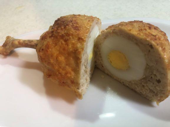 画像: 中にはゆで卵が入っています
