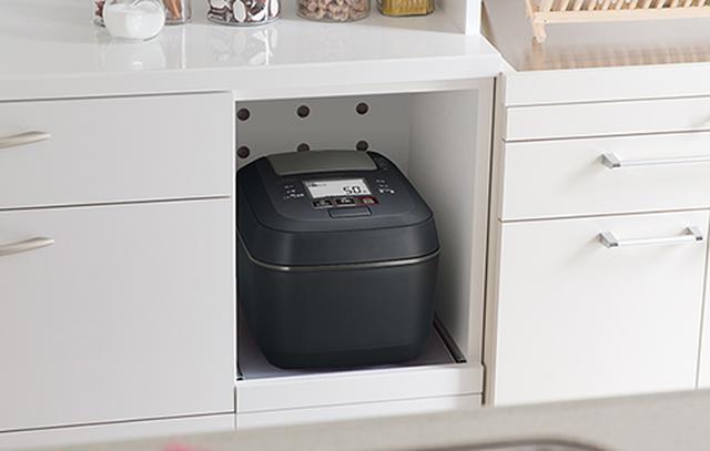 画像: 蒸気が出ないので家具を傷めないほか、部屋の結露を防ぐ効果も kadenfan.hitachi.co.jp
