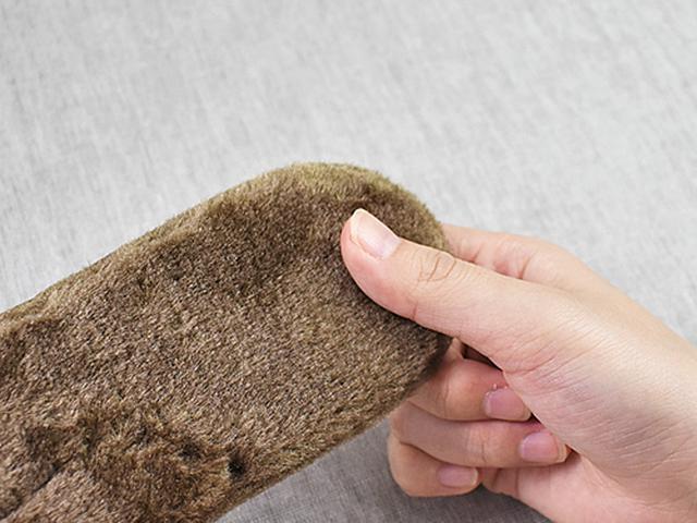 画像: まるでカーペットのようにふわふわの手触り