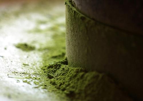 画像: 石臼で丁寧に挽いた高級抹茶をスイーツにも贅沢に使用 shop.senkien.jp