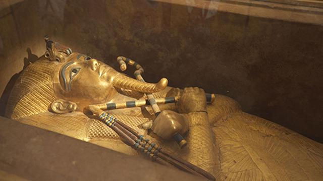 画像: ツタンカーメンの黄金のマスク。
