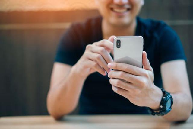 画像: 劣化を感じたらなるべく早くバッテリー交換を(写真はイメージ/Adobe stock)