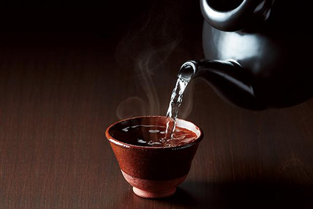 画像: 徳利は2.5合の大容量。陶磁器なのでお酒が冷めにくく、おいしさが長続きする。