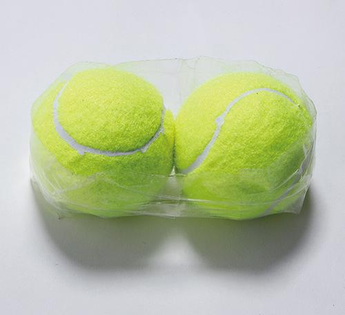 画像1: 肩甲骨のテニスボールストレッチのやり方