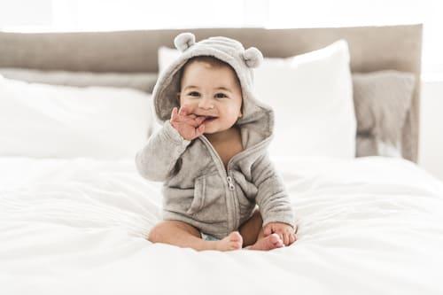 画像: 寝ないわが子にストレスを抱えることも(写真はイメージ/Adobe stock)