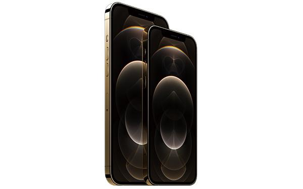 画像: 左:iPhone12 Pro Max、右:iPhone12 Pro