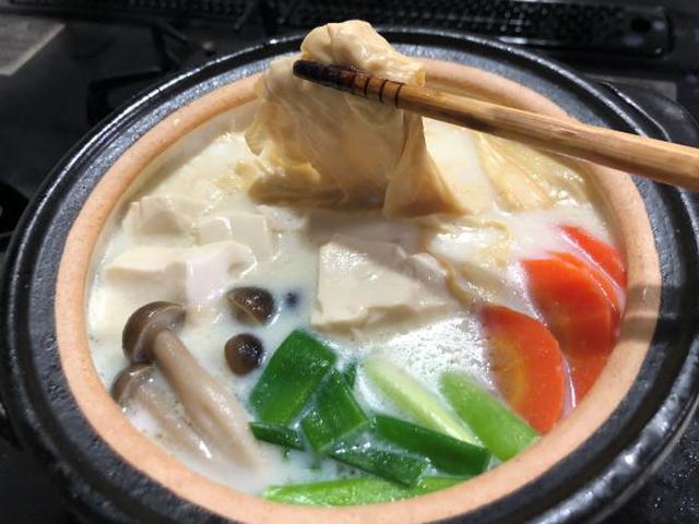 画像: 豆乳鍋に入れるとゆばがトロトロになって美味。しょうゆや塩、中華、水炊きなどいろんな味に合います
