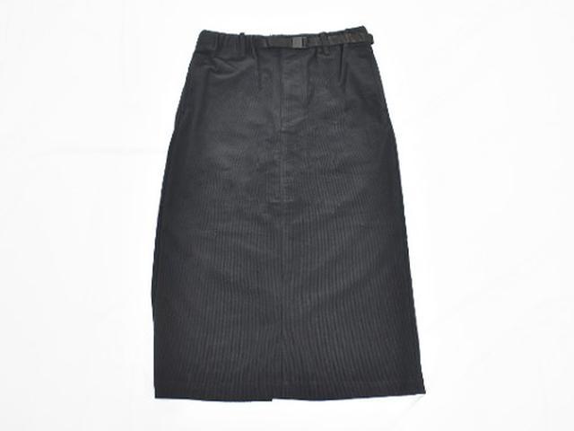 画像: 秋冬のスカートは素材感に注目