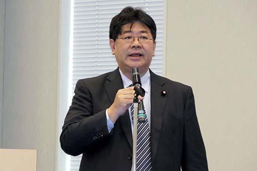 画像: JEMPAの発足記者会見には国会議員数人が出席。参議院議員の山田太郎氏も駆けつけ、マイクロモビリティ普及促進に向けた協会の活動に対して協力していく考えを示した。