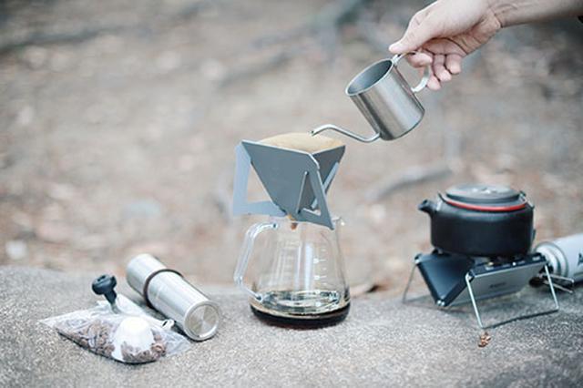 画像: 外でもドリップコーヒーにこだわります。息子が寝た後の、夫婦の時間のおともに最適です。