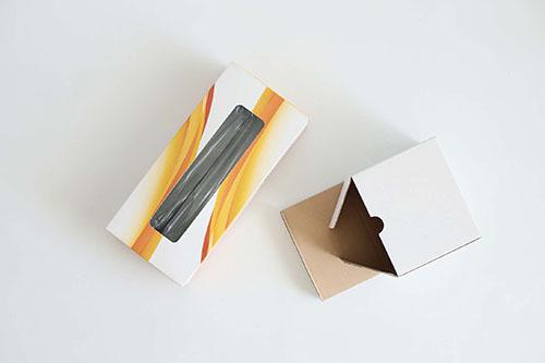 画像1: 空き箱を使って工作