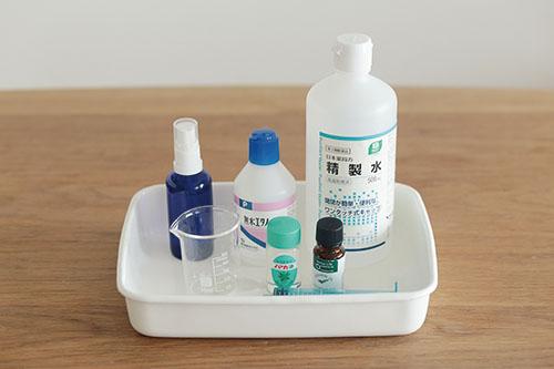 画像: 虫よけスプレーは、精製水、無水エタノール、アロマオイルで手作り。