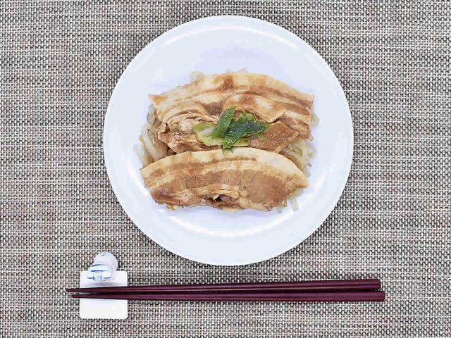 画像: 期待を超える味に驚かされる「おろしぽん酢で食べる 特製豚もやし」