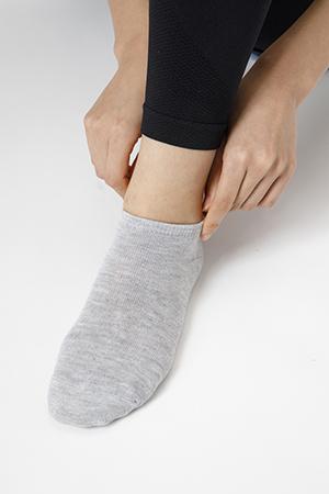 画像1: 【正しい靴下の履き方】