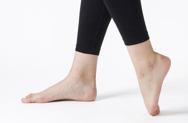 痛い 甲骨 が 足 の なぜ?足の付け根の外側が急に痛い…!これ大丈夫?病院は何科?