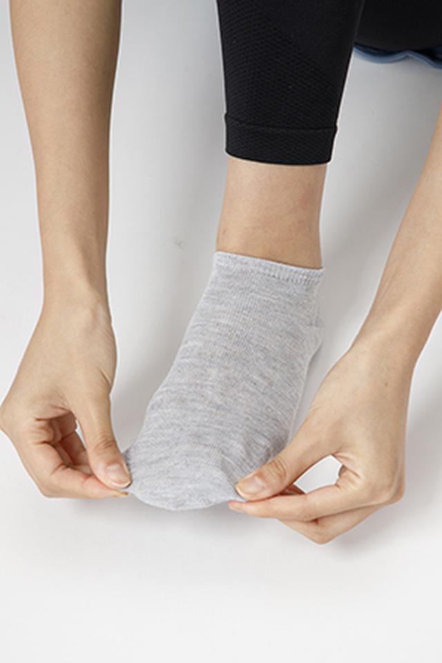 画像2: 【正しい靴下の履き方】